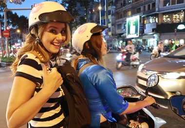 ho chi minh motobike tour at night