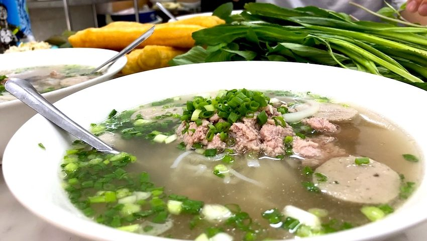 local guide to find authentic pho noodle soup in ho chi minh
